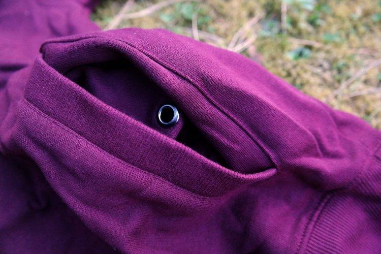 hoodie_detail_headphones